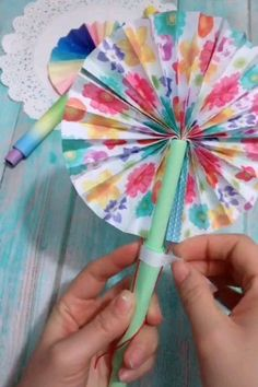 How to Make DIY Monster Bookmarks -Super easy Free Template! Use our free template to make a colorful big-nosed monster bookmark. Fun Halloween craft for kids and paper crafts. Hand Crafts For Kids, Paper Plate Crafts For Kids, Paper Crafts For Kids, Toddler Crafts, Craft Stick Crafts, Preschool Crafts, Fun Crafts, Diy Crafts Hacks, Diy Home Crafts