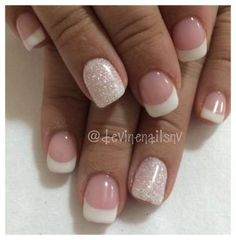 The advantage of the gel is that it allows you to enjoy your French manicure for a long time. There are four different ways to make a French manicure on gel nails. Pink Gel Nails, Glitter Gel Nails, Gel Nail Colors, Gelish Nails, White Nails, Silver Glitter, Diamond Glitter, Nail Gel, Shellac