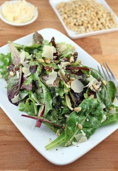 A quick, simple, and refreshing salad just in time for summer. Don't miss out on this jam-packed lunch! Shared via http://www.ruled.me/