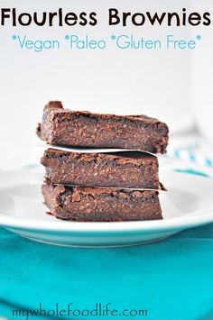 Ideas for food allergy friends. Previous pinner wrote: The BEST Fudgy Flourless Brownies. NO flour and NO oil. They are flourless thanks to a secret ingredient and it's not beans! Gluten Free Sweets, Paleo Dessert, Gluten Free Baking, Healthy Sweets, Vegan Desserts, Just Desserts, Dessert Recipes, Comidas Paleo, Partys