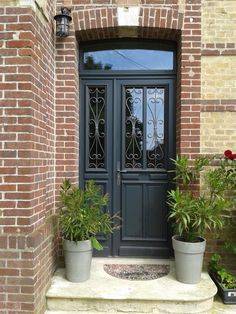Front Door Design Modern Entrance 58 Ideas For 2019 Modern Entrance Door, House Entrance, Entrance Doors, Gate House, House Doors, French Doors With Screens, Exterior Front Doors, Front Door Design, Marquise
