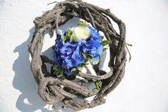 The Bridal Bouquet. Oniro Wedding, Santorini! Photo by Maryna Gruzdyeva
