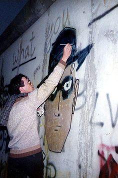 So sah das Leben in West-Berlin aus, als es von der Mauer eingeschlossenen war
