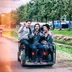 Wow.. New tourbus? Pic by Bart Heemskerk