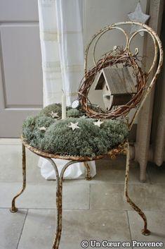 Chaque année à l'approche des fêtes de Noël, la récolte de lichens est devenue un rituel apprécié par toute la famille. Crapahuter da...