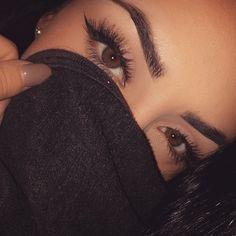 Olhe no fundo de meus olhos..