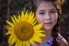 Ensaio Kids #photography #girl #boy #laisrocha #photo #girassol #externo #fotografia #studio #tumblr #kids #crianças #acompanhamento #frozen #neve #cenario