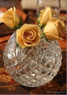 Simple dinner party centerpiece with canela roses. Party Centerpieces, Centerpiece Ideas, Table Decorations, White Spray Paint, Flea Market Finds, Entertaining, Create, Simple, Blog