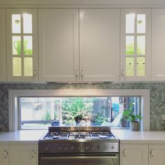 Kitchen Room Design, Kitchen Reno, Kitchen Ideas, Kitchen Cabinets, Hamptons Kitchen, The Hamptons, Frosty Carrina Caesarstone, Glass Front Cabinets, Green Marble