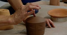 How to Make a Slab Mug with Flare! - Ceramic Arts Network There are many ways to make mugs, from throwing on the wheel, to slip casting mugs, to slab mugs. In this post, we will focus on how to make a slab mug. Pottery Tools, Slab Pottery, Pottery Mugs, Ceramic Pottery, Clay Mugs, Ceramic Mugs, Ceramic Art, Ceramic Design, Ceramic Techniques