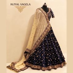 [New] The Best Fashion (with Pictures) This is the 10 best fashion today. According to fashion experts, the 10 all-time best fashion right now is. Wedding Lehenga Designs, Designer Bridal Lehenga, Bridal Lehenga Choli, Wedding Dresses For Girls, Indian Wedding Outfits, Bridal Outfits, Lehnga Dress, Lehenga Blouse, Navratri Dress