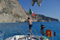 COSA NON PUOI PERDERTI IN QUESTA VACANZA  1.Myrtos beach, Alaties beach e le altre belle spiagge di Cefalonia  2.Il panorama mozzafiato di Spartachori su tutta Meganissi  3.Un tuffo davanti all'esclusiva isola di Skorpios  4.Le incredibili spiagge di Agios Ioannis, Gidaki a Itaca http://www.jonas.it/grecia_itaca_in_barca_307.html