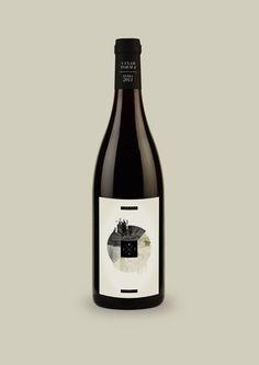 VT Wine Label by So Fresh So Fine, via Behance  wine / vino mxm