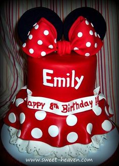 Minnie mouse cake - So cute!