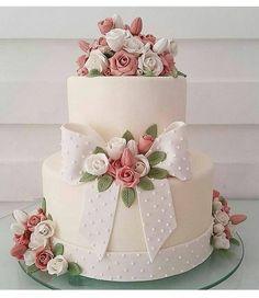 Beautiful Flower Decoration On Cake