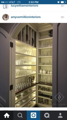 Pantry design for kitchen can be planned with some ideas. Here, you can find some useful inspirations to design your pantry. Kitchen Butlers Pantry, Pantry Room, Kitchen Pantry Design, Pantry Closet, Butler Pantry, Walk In Pantry, Kitchen Interior, Kitchen Decor, Dish Storage