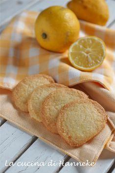 Biscotti al burro senza glutine al limone con farina di mais e farina di riso