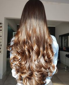 Overnight Beauty Hacks to Have Better Hair in the Morning – Just Trendy Girls: Long Wavy Hair, Big Hair, Dark Hair, Long Bob Hairstyles, Pretty Hairstyles, Diy Hairstyles, Medium Hair Styles, Curly Hair Styles, Hair Treatment Mask