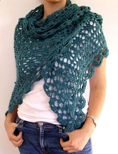 Beautiful crochet shawl! Love the larger yarn used.