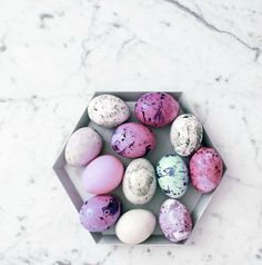 Ultra cool easter eggs to try :: http://www.thekimchronicles.com/ultra-cool-easter-eggs/