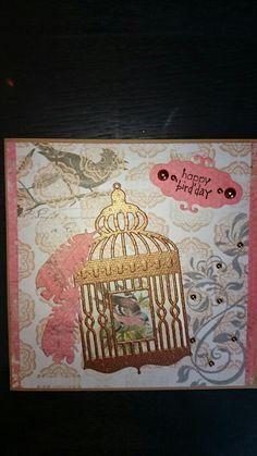 Vogel kaart, tekst stempel en mal van  craft unlimited (boekenvoordeel) achtergrond papier en vogel plaatje zijn van studiolight. Veer mal en swirl stempel zijn van Joy.