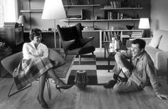 Danish guitar ace Jørgen Ingmann recently died, 89 years old. In 1963 he won the European Song Contest together with his wife, singer Grethe Ingmann. Here they are in their so cool 60s living room. I like every thing in that picture!