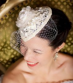 Teardrop bridal fascinator with birdcage veil Bridal Fascinator, Wedding Fascinators, Bridal Hat, Wedding Hats, Bridal Headpieces, Wedding Veils, Wedding Ideas, Fancy Hairstyles, Wedding Hairstyles