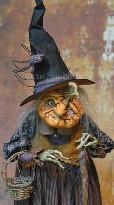 Love this witch. Halloween Doll, Halloween Projects, Holidays Halloween, Vintage Halloween, Halloween Pumpkins, Happy Halloween, Halloween Witches, Adornos Halloween, Vintage Witch