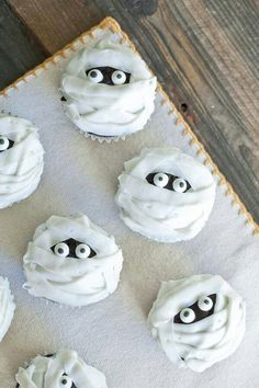 Cute cupcake decorating idea