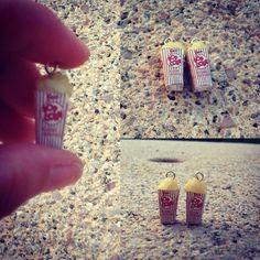 #création#addict#loisirscreatifs#faitmain#diy#popcorn#earring##bouclesdoreilles#essai#mignon#kawaii#fimo#miniature#premo#sculpey#polymère#polymereclay#