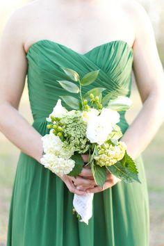 Bouquet de dama en verde y blanco, ¡súper bello!   www.florama.mx