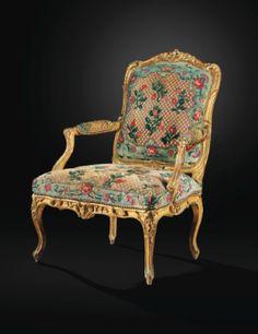 Belle paire de fauteuils à dossier plat en bois sculpté et doré d'époque Louis XV, estampillée C.SENE - Sotheby's