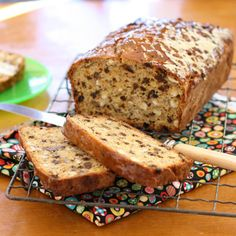 Ricotta nut and currant bread