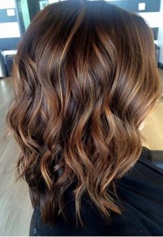 Best Hair Color Ideas For Brunettes Curly Ombre Colour Ideas - Haarfarben Ideen Hot Hair Colors, Ombre Hair Color, Cool Hair Color, Brown Hair Colors, Brown Hair With Highlights And Lowlights, Brown Hair Balayage, Hair Color Balayage, Brunette Hair Highlights, Short Balayage