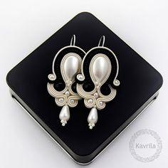 Kavrila - handmade jewellery and accessories Soutache Necklace, Beaded Earrings, Earrings Handmade, Handmade Jewelry, Wire Jewelry, Bridal Jewelry, Jewelery, Bead Embroidery Jewelry, Beaded Jewelry Patterns