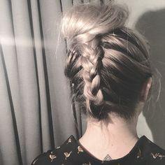 •Upside down braid to Bun• #shirlbraids #hairstyle #hair #upsidedown #hairinspo #hairstylist #bun #upsidedownbraid #braids #braidstyles #braidideas #inspiration #simple #cute #tattoo #goose #longhair #longhairdontcare