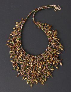 Golden Goddess Beaded Fringe Necklace Pearls por hangingbyawire