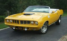 This is the car that was used in Nash Bridges 71 Hemi Cuda