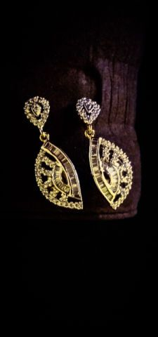 Kijiji - Buy, Sell & Save with Canada's Local Classifieds Indian Jewelry, Toronto, Diamond Earrings, It Is Finished, Jewellery, Watches, Detail, City, Gold