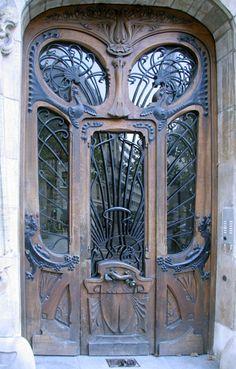 Art Nouveau entrance in Paris