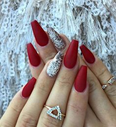 Red matte nails with some glitter - christmas nails - Nageldesign Red Matte Nails, Matte Acrylic Nails, Blue Nails, Acrylic Nail Designs, Burgundy Nails, Red And Silver Nails, Burgundy Colour, Acrylic Tips, Red Nail Designs