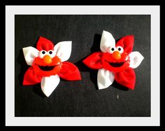Elmo hair clips--neat pattern for other bows! Ribbon Crafts, Flower Crafts, Diy Flowers, Flowers In Hair, Elmo Birthday, Little Girl Birthday, Birthday Parties, Birthday Ideas, Elmo Party