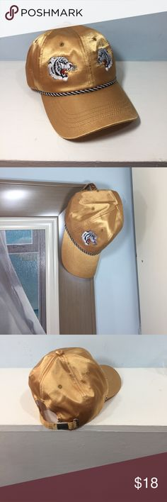 Free people hat Gold Free People hat , worn once, great condition Free People Accessories Hats