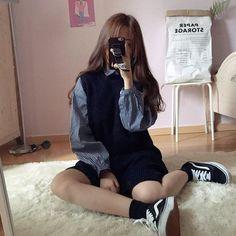 Korean Street Fashion - Life Is Fun Silo K Fashion, Korea Fashion, Cute Fashion, Asian Fashion, Fashion Looks, Fashion Outfits, Womens Fashion, Tokyo Fashion, Korean Outfits