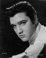 Photo of Young Elvis Presley and Norma Jeane Baker. for fans of Elvis Presley 32680626 Elvis Presley Posters, Elvis Presley Images, Elvis Presley Music, Gene Kelly, Vivien Leigh, Lisa Marie Presley, Priscilla Presley, Rachel Mcadams, Steve Mcqueen