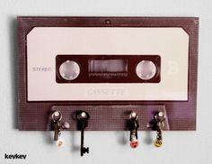 Die gute alte Kassette zweckentfremdet. Ohne Bandsalat ;-)