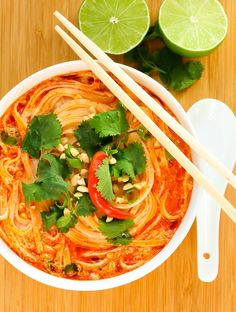 Thai Spicy Noodle Soup - Vegan, gluten-free and ready in 15 minutes!   Recipe at EverydayEasyEats.com