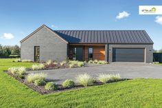 Home - eHaus NZ Leaders in Passive House Design & Construction Cedar Cladding, House Cladding, Exterior Cladding, Facade House, Passive House Design, Modern House Design, Building Exterior, Building A House, Modern Vintage Bathroom