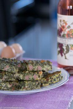Lo Sformato ricco di verdure è un bel modo per gustare le verdure in maniera più golosa,perchè arricchito con pezzetti di wurstel e fontina