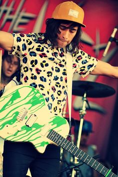 Vic Fuentes <3 I love his guitar!! like every time i see him in a video i'm like..omg that guitar is freaking awesome!! <3